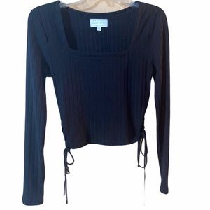 Kendall & Kylie black cropped top size M